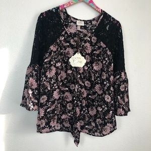 NWT Knox Rose blouse size M // 1426
